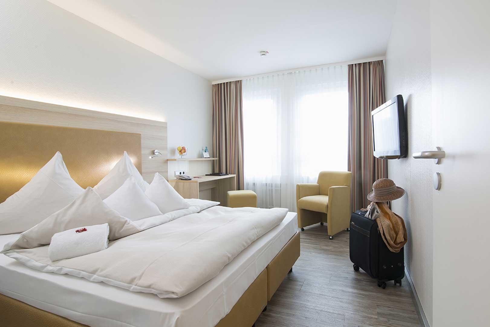 zimmer ausstattung concorde hotel am leineschloss. Black Bedroom Furniture Sets. Home Design Ideas