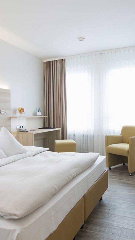 04_zimmer_hotel_am_leineschloss2015_hannover
